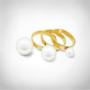 Kép 2/7 - UNIVERSE IRIS GYŰRŰ (klasszikus, fényes fehér gyöngyökből)
